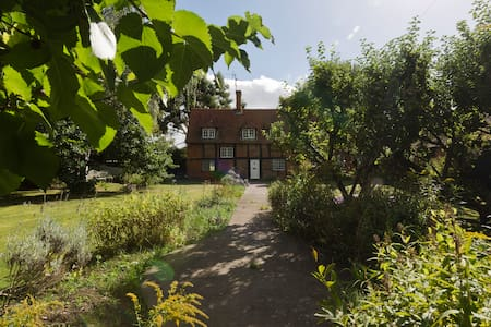 Airy & quiet rustic twin room  close to Reading - Sonning Eye - 独立屋