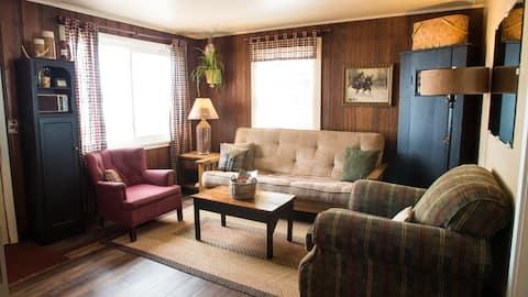 Hideaway Resort-Spruce #1, 35' from Lake Wissota!