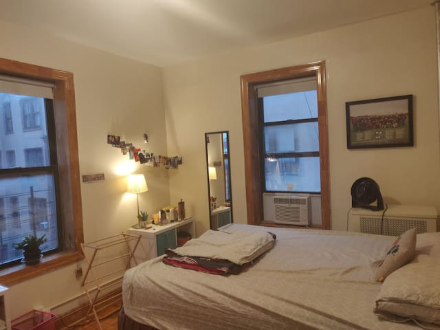 Beautiful bedroom - 5 min from Prospect Park