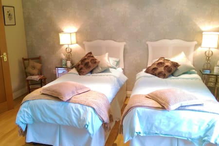 Luxury B+B in a private horseracing yard - twin - Newmarket - Bed & Breakfast