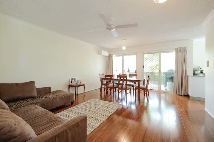 Quiet, Convenient & Comfy - East Brisbane - Departamento