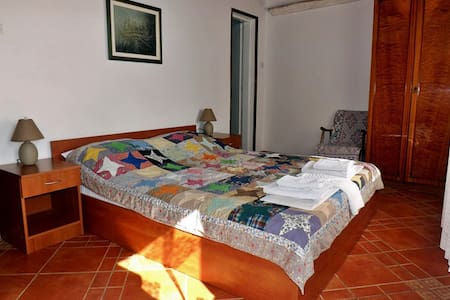 Apartmants Žmukić |room w\ bathroom - Perast - Guesthouse