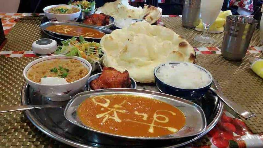 印度大饼,这是一人份噢!推荐这家的蔬菜饼和芝士饼