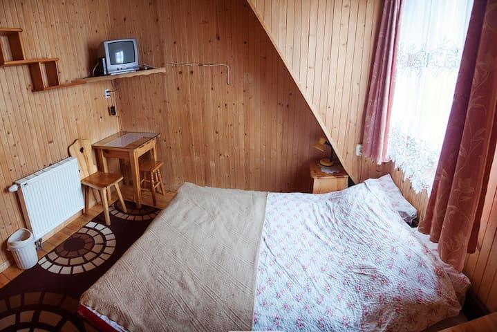 Villa GRYF pokój z łazienką na korytarzu - Zakopane - Dom