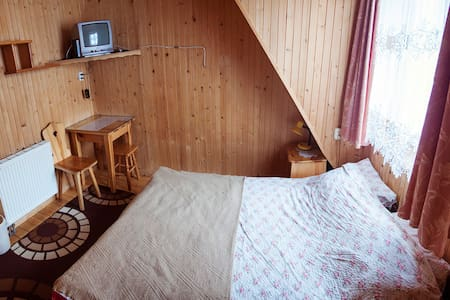 Villa GRYF pokój z łazienką na korytarzu - Zakopane