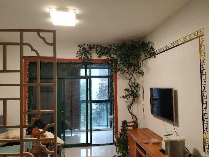 桂林市政府、万达广场附近幸福美地两居室