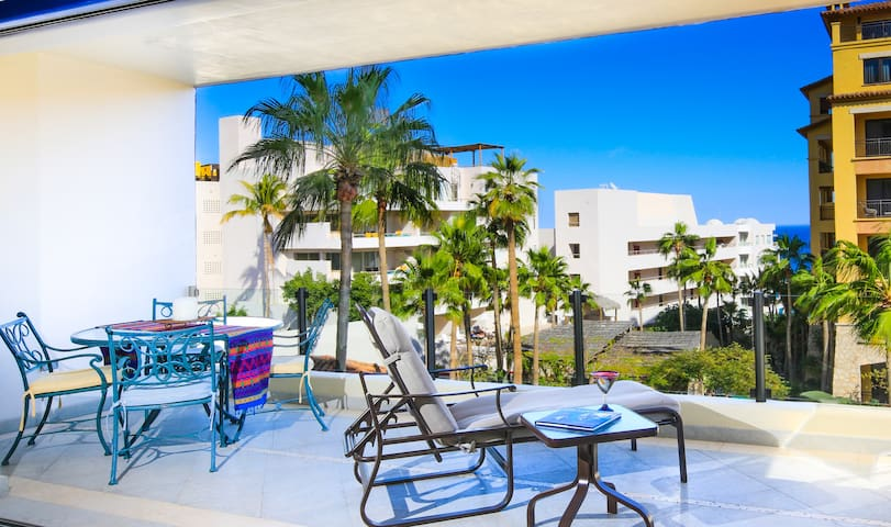 Contemporary 2bd/2ba luxury condo on Medano Beach