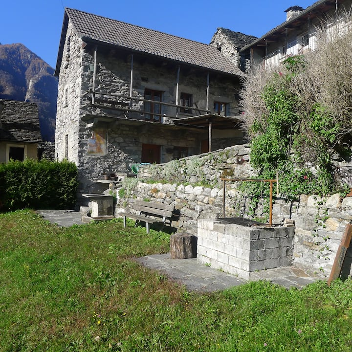 Valle Verzasca-Lavertezzo-Sambugaro