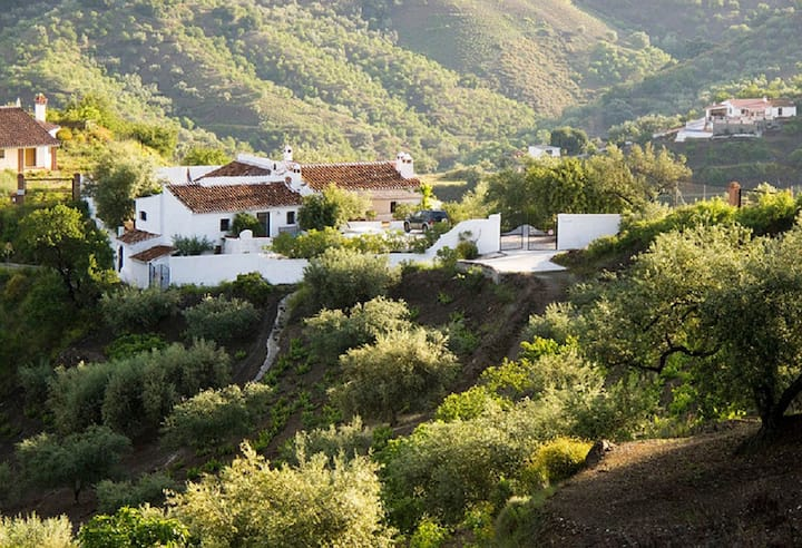 Apartment in gorgeous cortijo in mountains  Malaga