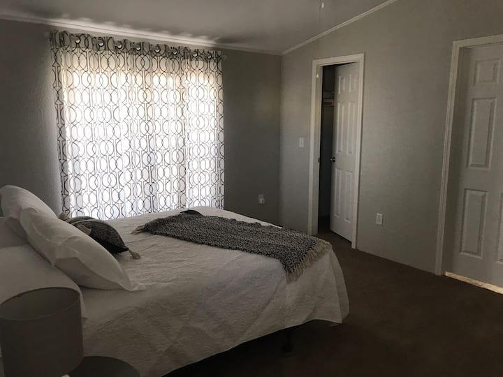 New 2 bedroom 2 bath home! Farmhouse decor!