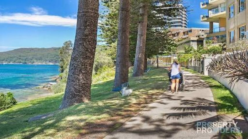 Easy, comfortable Northern Beaches base