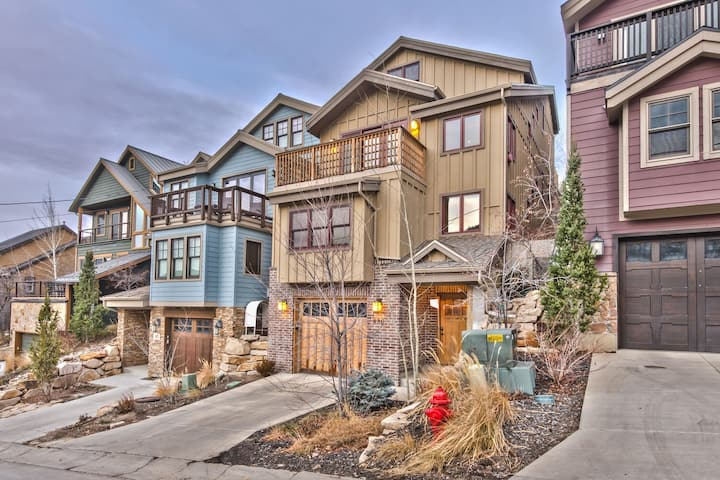 Park City Mountainside Manor Heart of Town Home. Walk to Ski & Main St.