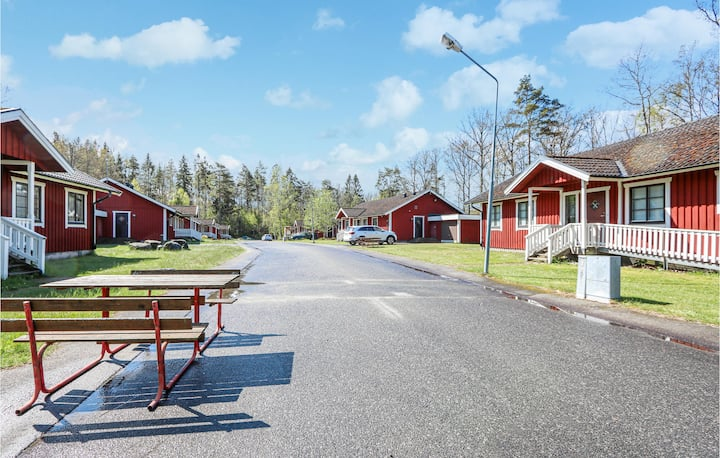 Awesome home in Glimåkra with WiFi and 6 Bedrooms