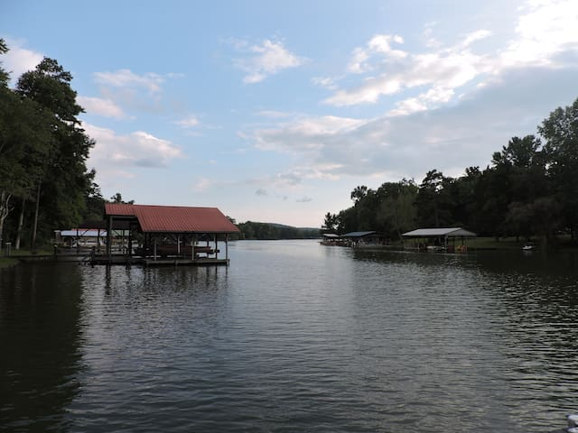 Cozy Cove - Lake house on Watts bar lake