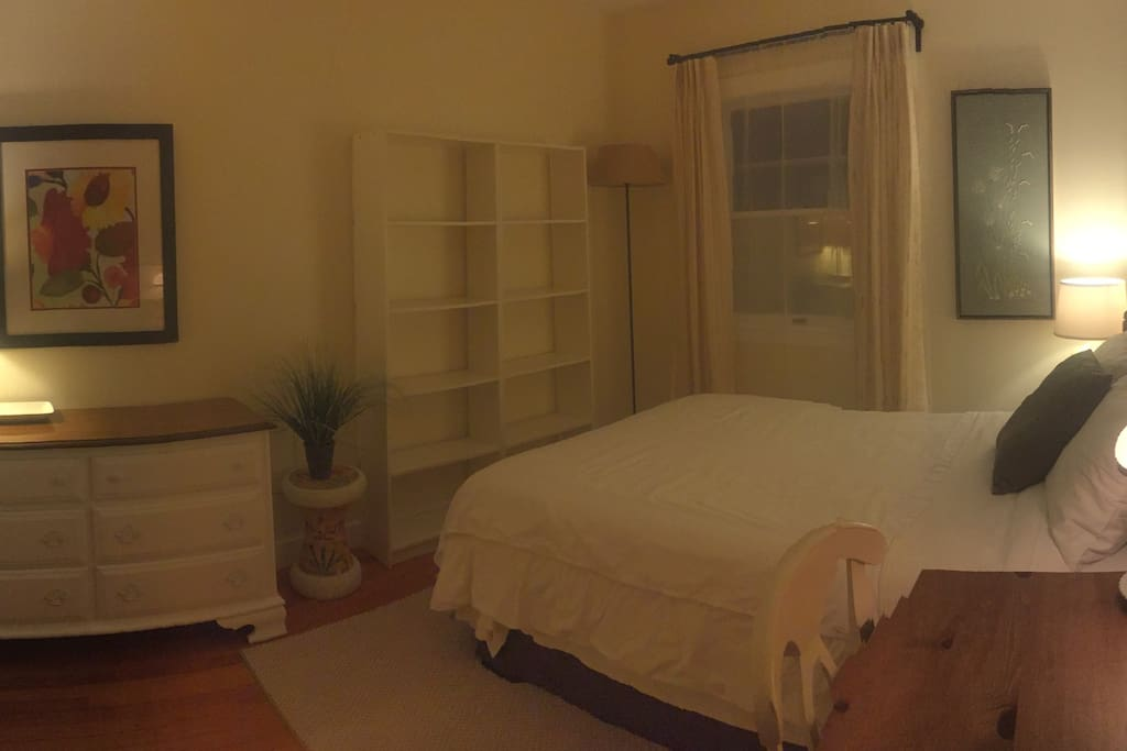 Private bedroom - full bed