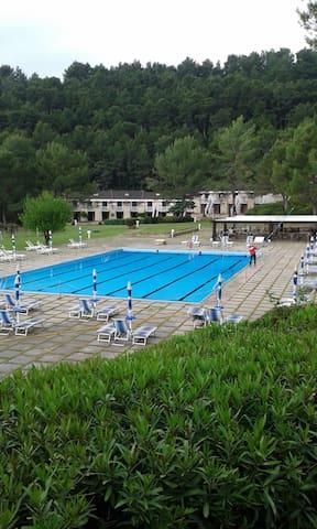 Villetta in residence con piscina - Pugnochiuso