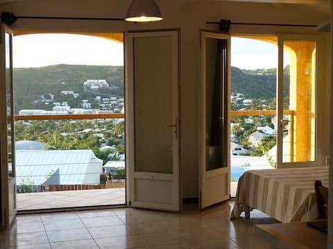 Confortable Studio belle vue *energie solaire*
