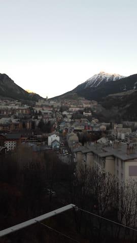 Appartement centre ville au pied des pistes de ski