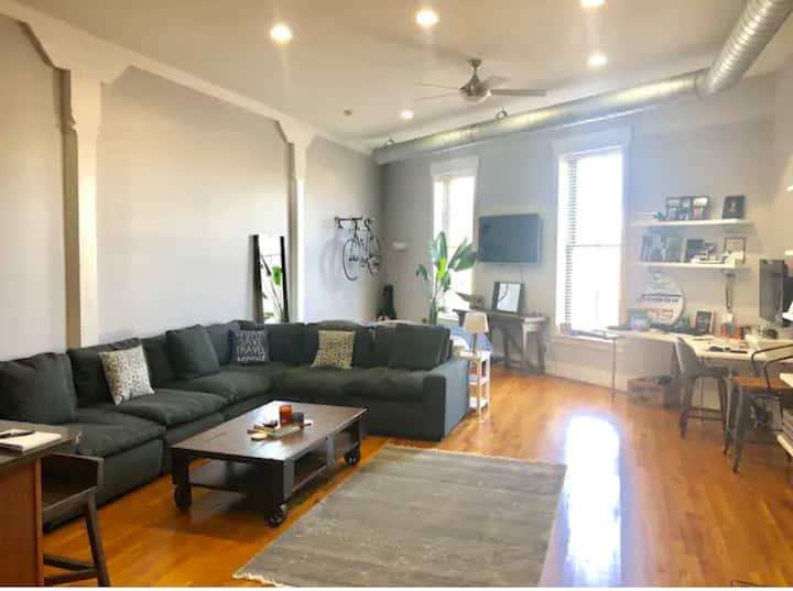 Downtown Indy/Mass Ave Trendy Condo Loft
