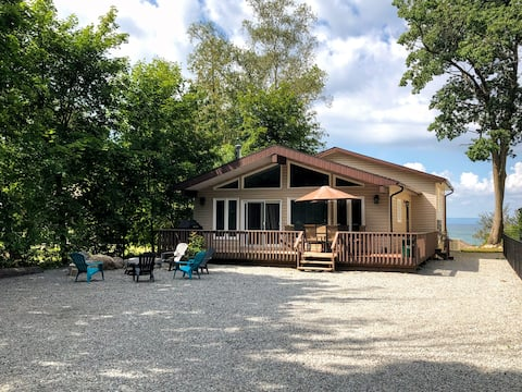 Oasis Beach Cottage-Waterview-Wifi-AC-4Season-BBQ