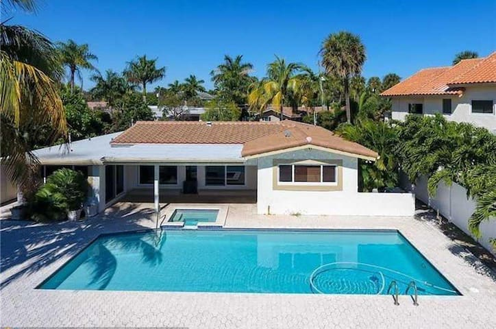 FORT LAUDERDALE BY THE SEA-PRIVATE HOME - Fort Lauderdale - House