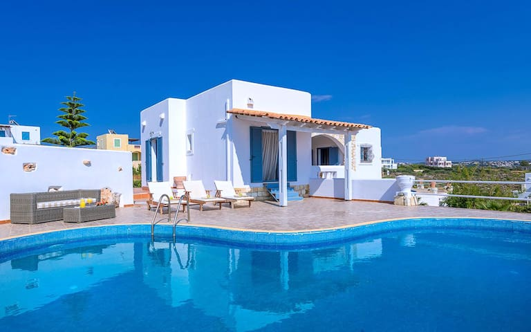Sea & Sun Villas, Private Pool, Amazing Sea Views!