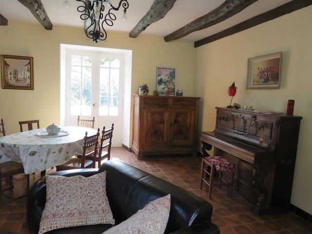 Maison Dordogne Tout Confort  6 à 7 personnes