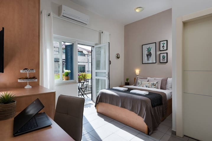 ✿Gorgeous Balcony Apt \\ Relax & Enjoy @ Hip Area✿