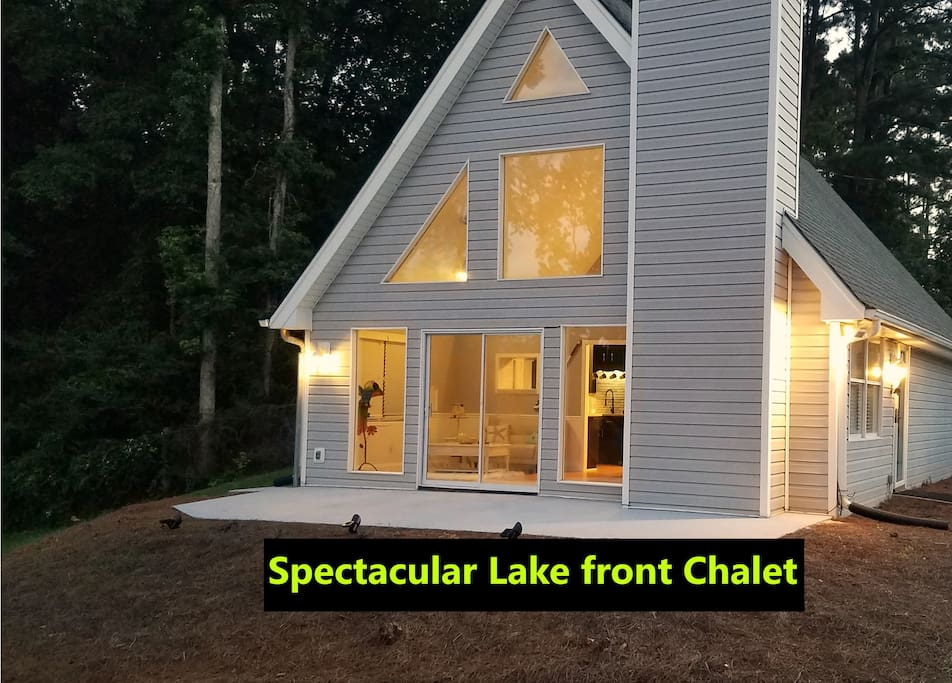 STUNNING LAKE FRONT CHALET BREATHTAKING MOUNTAIN VIEWS....GREAT VALUE AND LOCATION