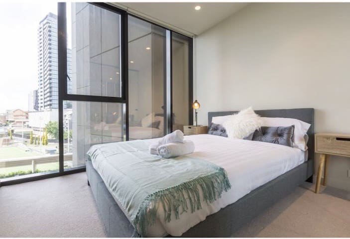 Luxury private room in the heart of South Yarra