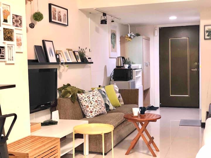 •西門町•月租優惠•Ximen MRT 電梯+大陽台+洗衣機(大2-4人房)