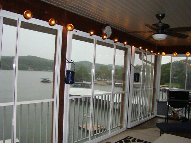 Lakefront Ozark Condo. Great View. Full Amenities - Camdenton