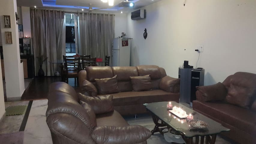 beautiful cozy comfortable - Zirakpur - Huoneisto
