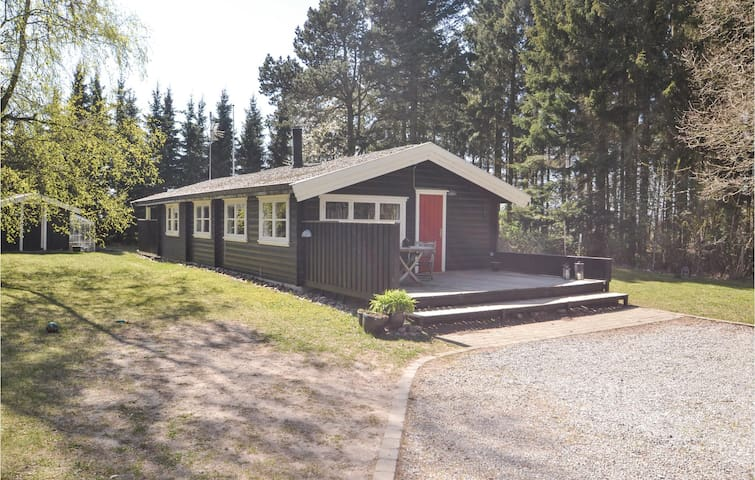 Holiday cottage with 3 bedrooms on 65m² in Glesborg