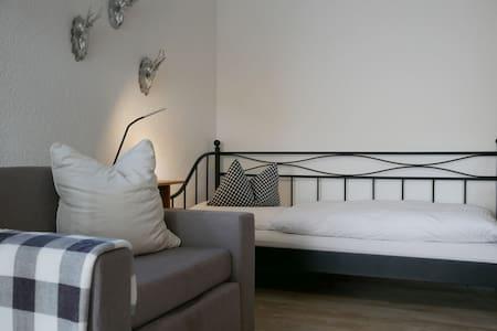 Ferienhaus Knodel, (Sachsenheim), Apartment, 50qm, 2 Schlafzimmer, max. 3 Personen