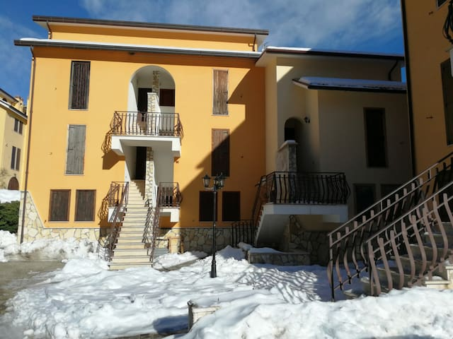 Valle Azzurra House