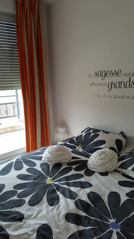 Chambre  lumineuse et agreable