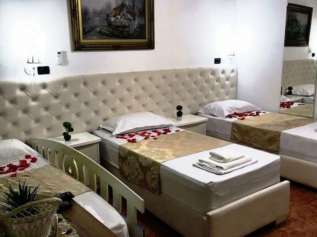 Rezidenca Aurel Private room Triple Beds