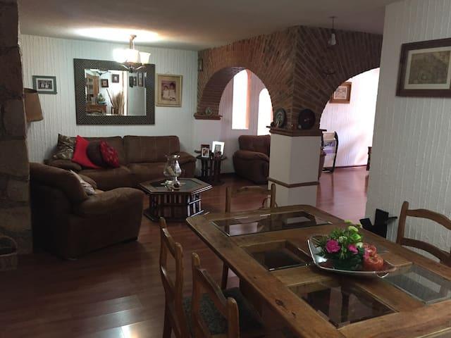 Casa colonial en zona céntrica Gto - Guanajuato