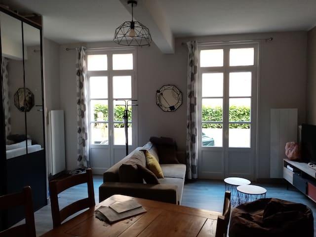 Appart privé de 63 m2 lieu calme avec terrasse