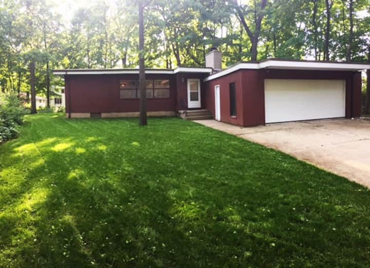 Mid Century Modern Home Perfect for the US Open