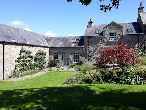 Beautiful, Light, Airy Cottage in Northumberland