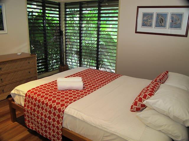 Breeya - Bedroom