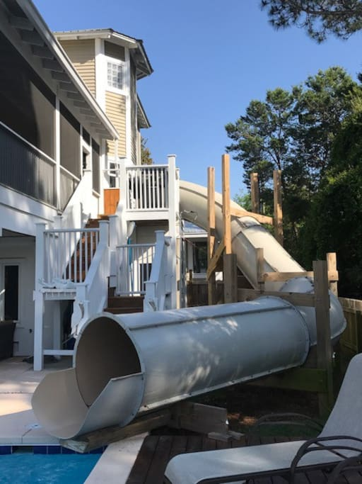 2 story water slide with running water pump