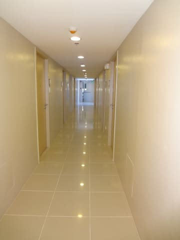 1BR Fully Furnished unit in front of DLSU Taft