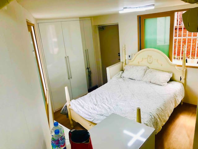 Studio Entire Place 9min to Seoul Station SG