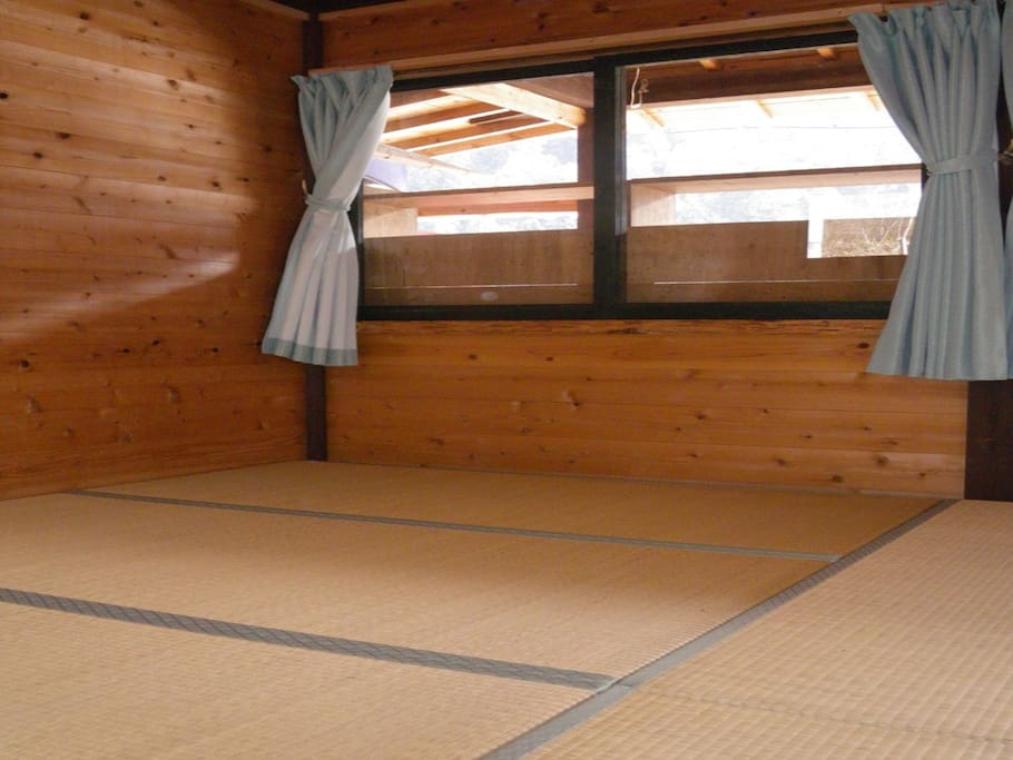 Japanese tatami room bed and breakfasts for rent in for Bed and breakfast tokyo