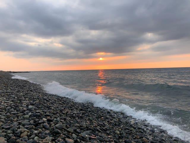 Denize sıfır günlük kiralık yazlık.