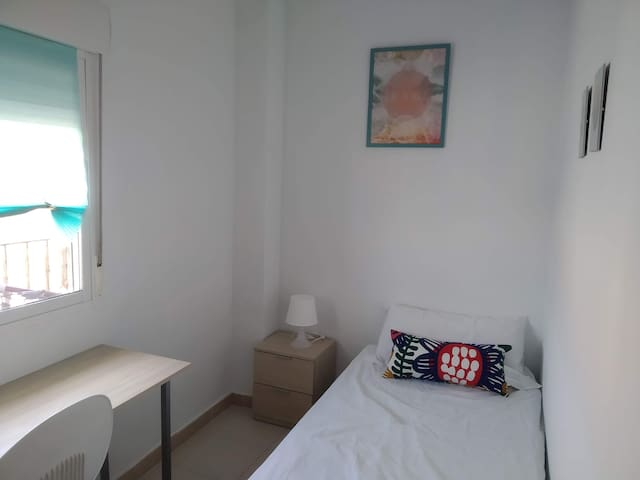 Single Room in Benimaclet close to beach & Centre