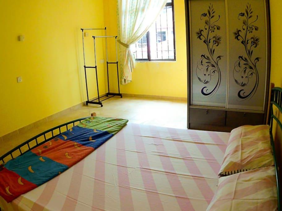 sunny room with wardrobe & shelf